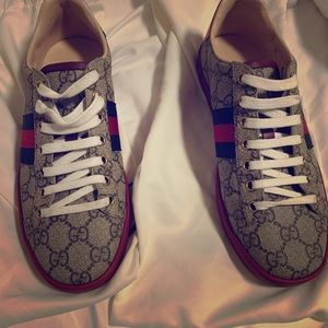Size 7 woman's Gucci sneakers